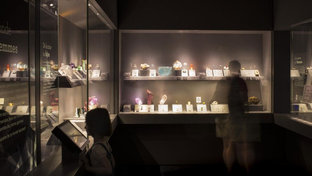 Galerie de Géologie et de Minéralogie : Trésors de la Terre © A. de Valence - MNHN