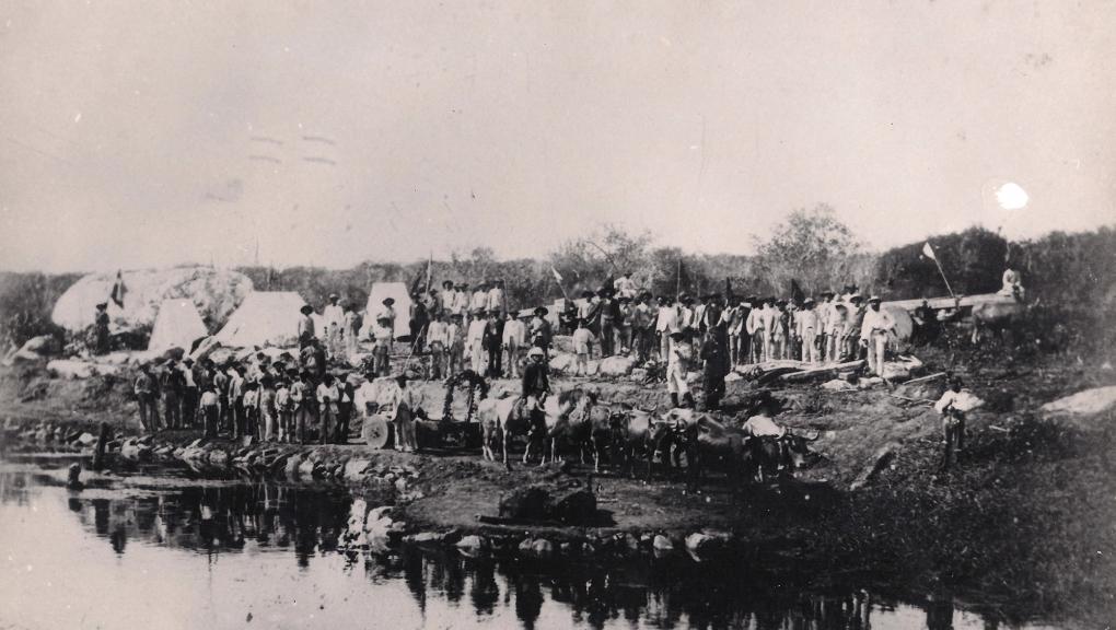 Transport de la météorite de Bedengo au Brésil découverte en 1784.