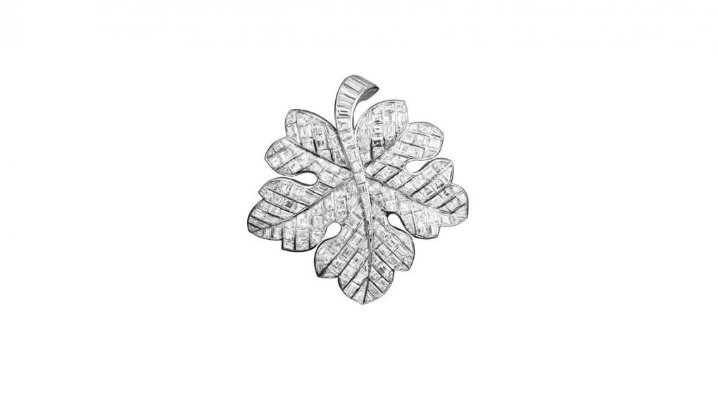 Clip Feuille de vigne, 1951. Platine, diamants calibrés © Collection Van Cleef & Arpels