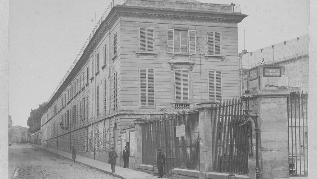Galerie de Zoologie. Vue prise de la rue Censier (vers 1885) - Fonds Pierre Petit © MNHN - Direction des Bibliothèques