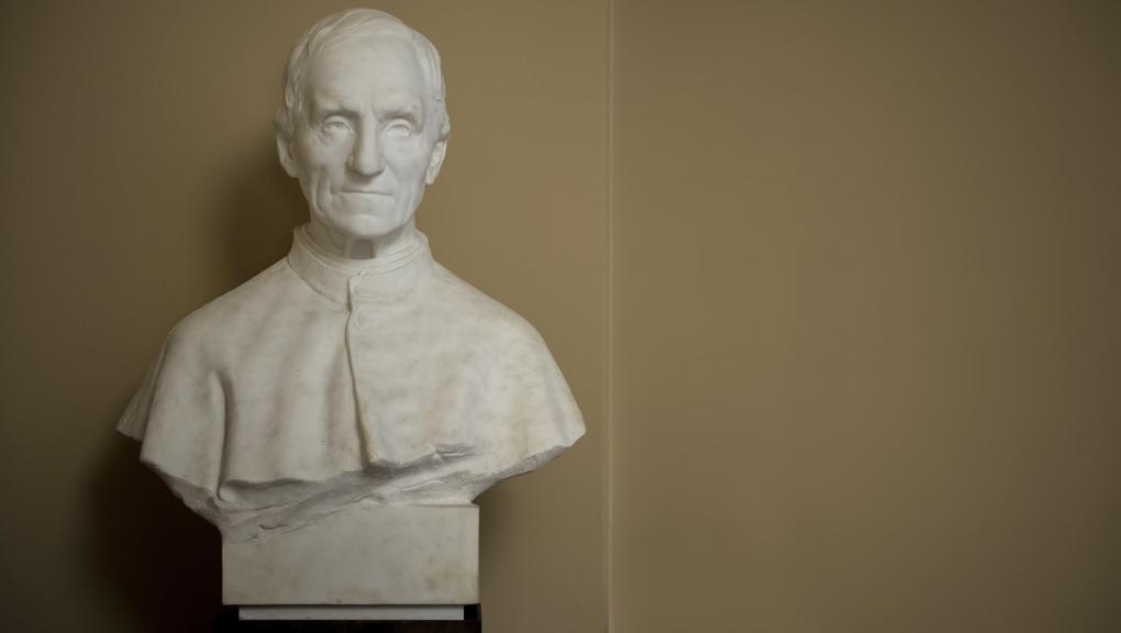 Statue de Armand David, dit le Père David