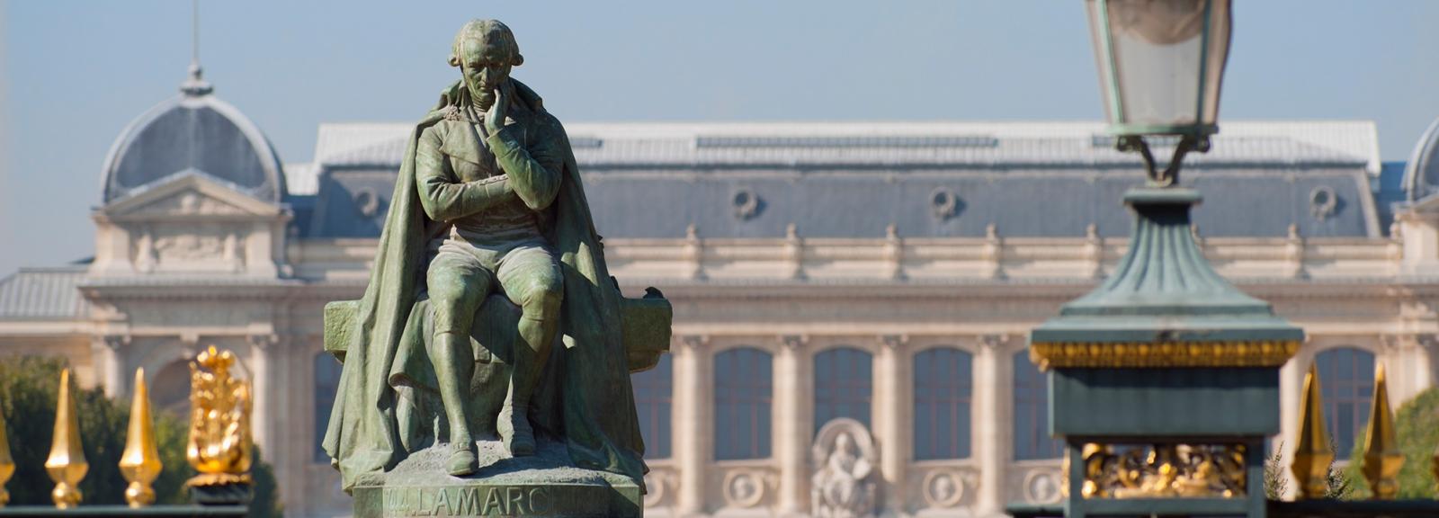 Statue de Lamarck au Jardin des Plantes © MNHN - P. Lafaite