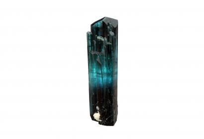 Cristal d'Elbaïte de variété indicolite et de couleur bleu légèrement vert (N° 200.49) © MNHN - Louis-Dominique Bayle