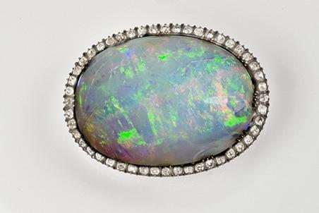 Grande opale du manteau de sacre de Charles X © François Farges